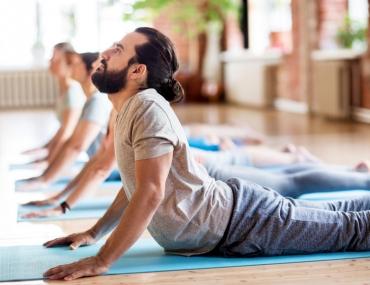 Yoga e asanas cobra